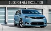 2017 Chrysler Pacifica hybrid #2