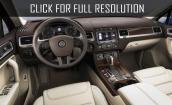 2017 Volkswagen Touareg interior #4