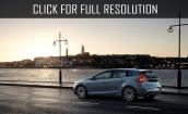 2017 Volvo V40 - new appearance, hatchback, photos
